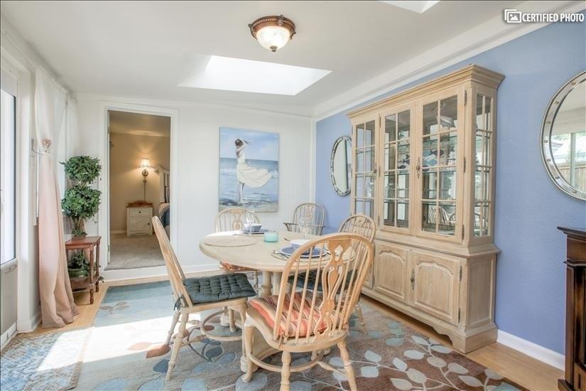 Bright Sun Room/Dining
