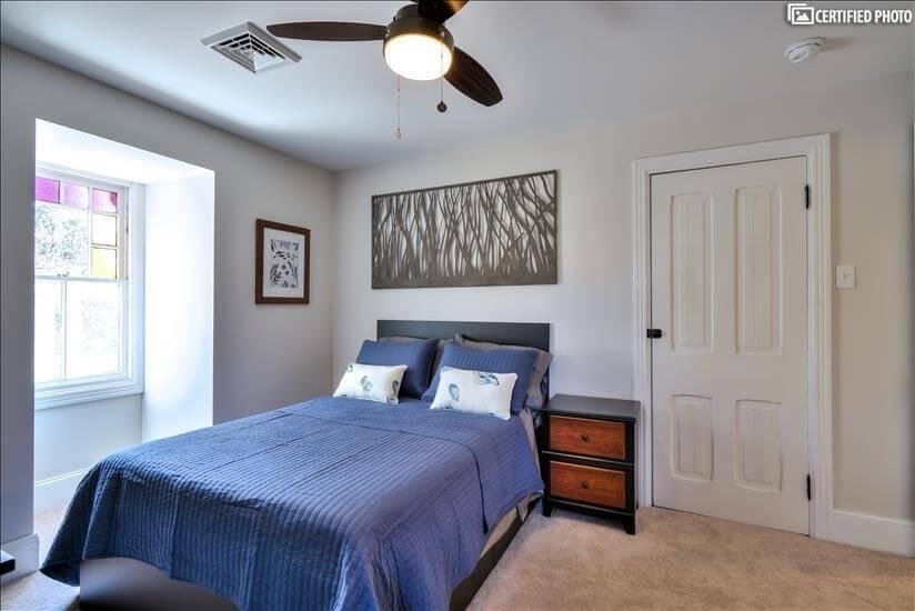 """3rd Floor """"Fish Bedroom"""" (Queen)"""