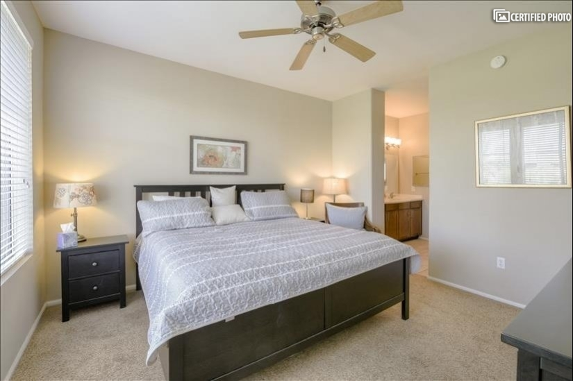 Master Suite with King Bed 3rd Floor