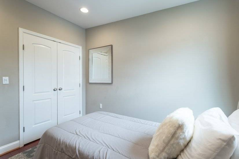 Third bedroom - view of the closet