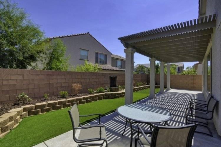 Backyard & Fountain