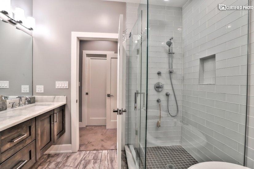 Spa-like Master Bathroom 2