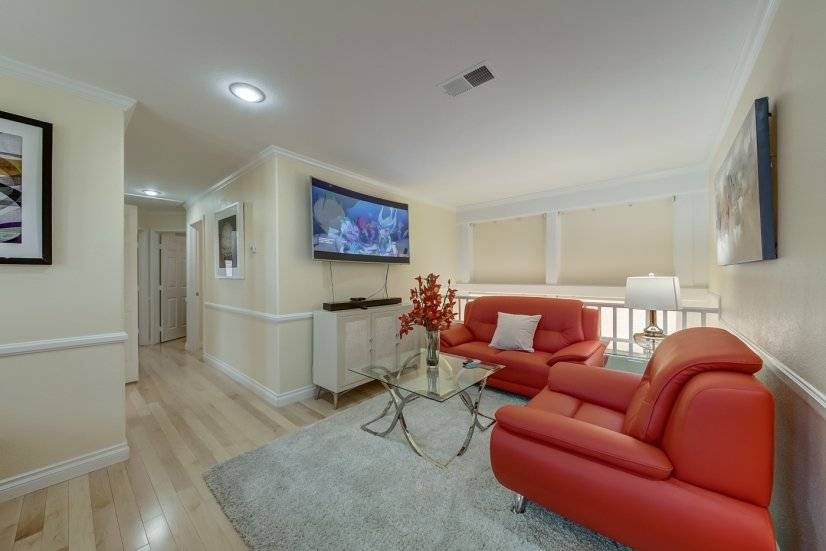 image 4 furnished 4 bedroom Townhouse for rent in Paradise, Las Vegas Area