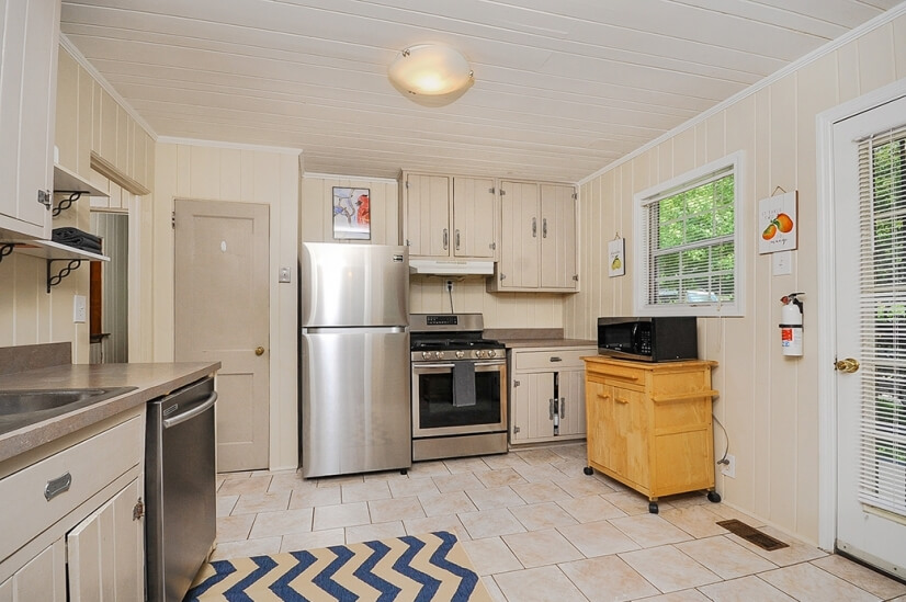 image 2 furnished 2 bedroom House for rent in Decatur, DeKalb County