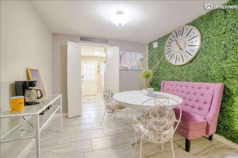 image 12 furnished 1 bedroom Townhouse for rent in Melshire Estates, Dallas