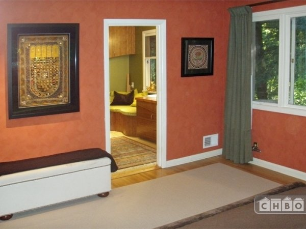 image 6 furnished 2 bedroom Townhouse for rent in Portland Southeast, Portland Area
