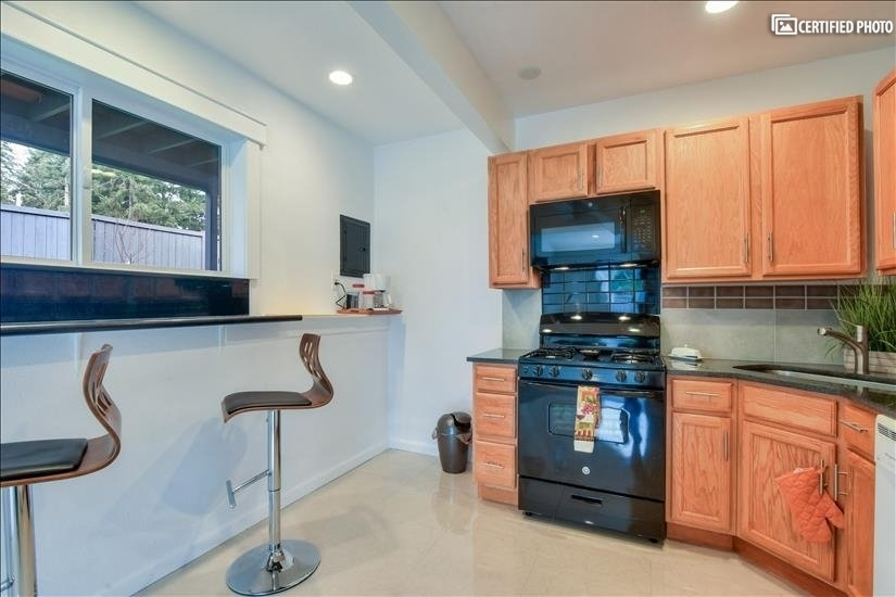 image 8 furnished 2 bedroom House for rent in Bothell-Kenmore, Seattle Area