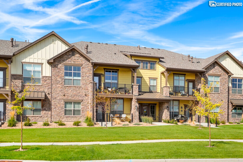 Golf course community with walking trails & parks