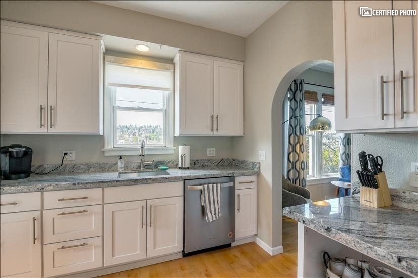 image 9 furnished 3 bedroom Townhouse for rent in Queen Anne, Seattle Area
