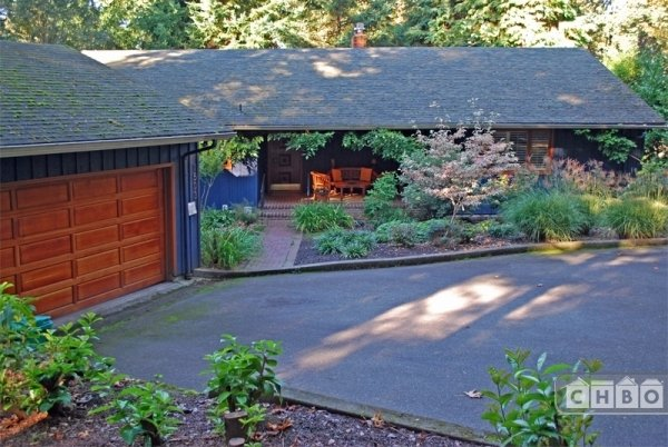 Central Portland Gem in Forest Setting
