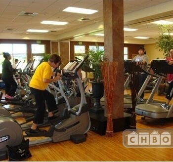 5 min Walk to Local Fitness Center $5 p/d