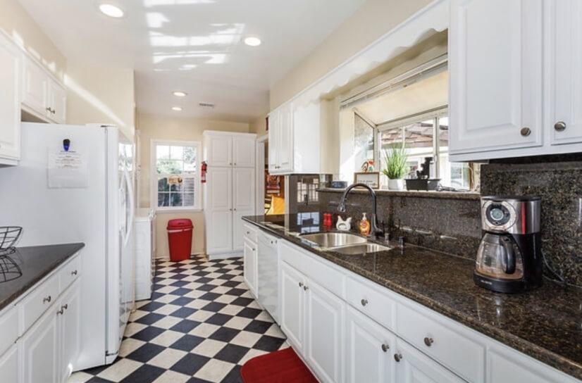 image 10 furnished 3 bedroom House for rent in Burbank, San Fernando Valley