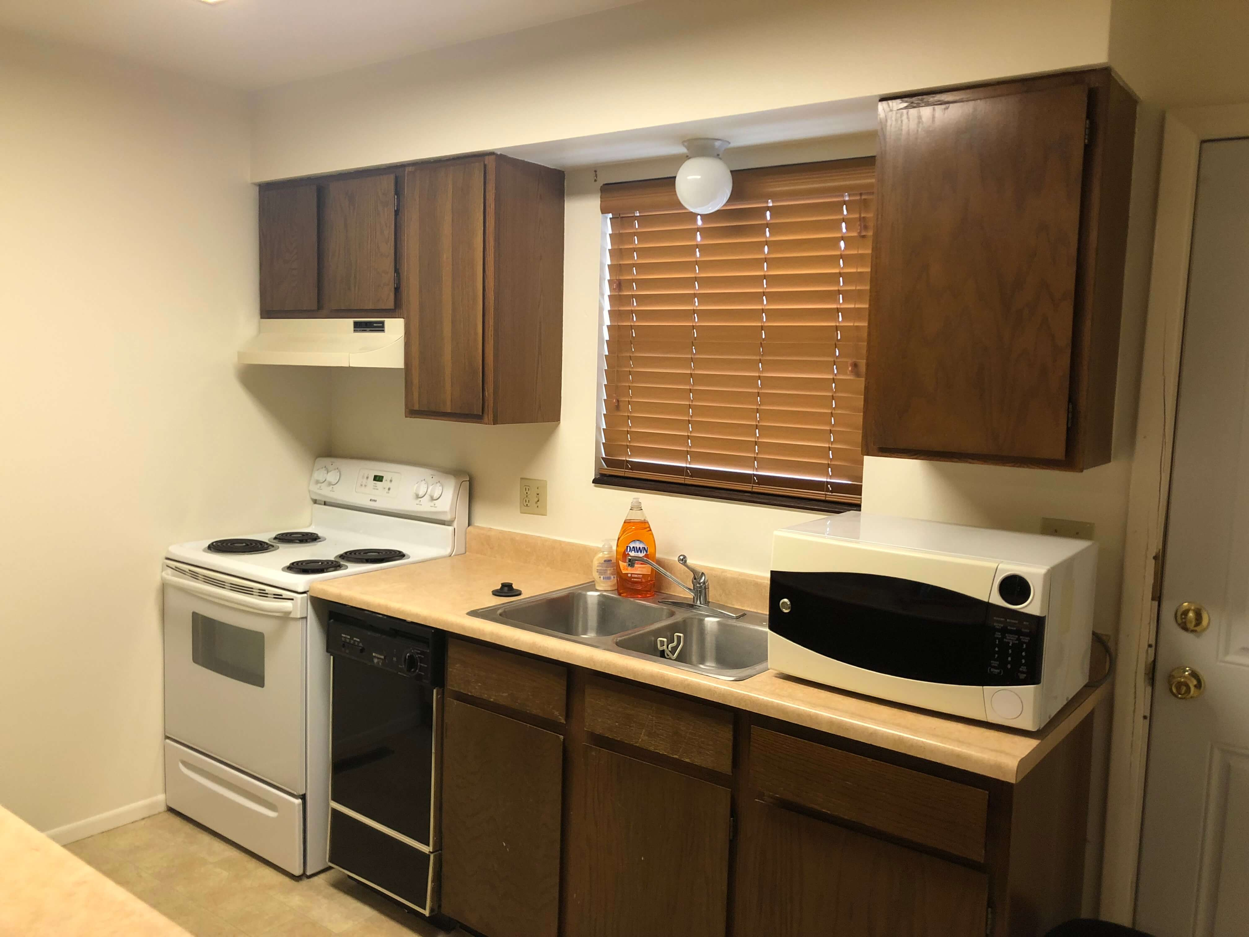 image 2 furnished 2 bedroom Townhouse for rent in Holland Park, Colorado Springs