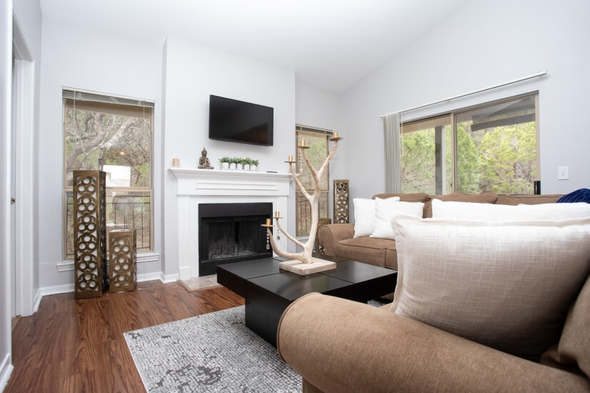 Enjoy this stunning shot of our living room in the trees!