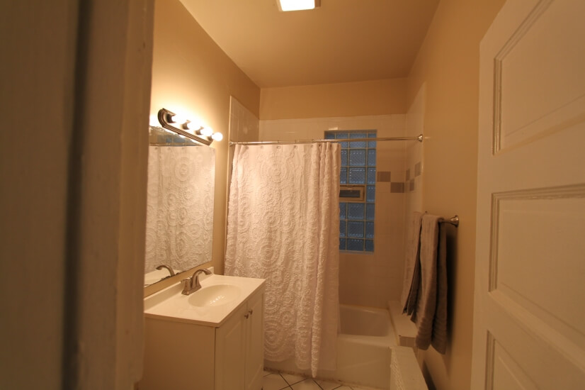 image 7 furnished 2 bedroom Apartment for rent in Oak Park, West Suburbs