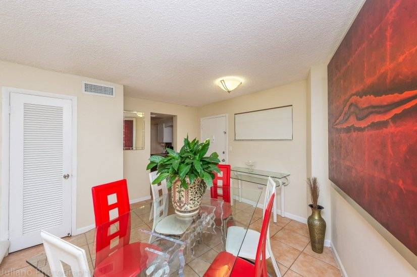 image 7 furnished 2 bedroom Townhouse for rent in South Beach, Miami Area