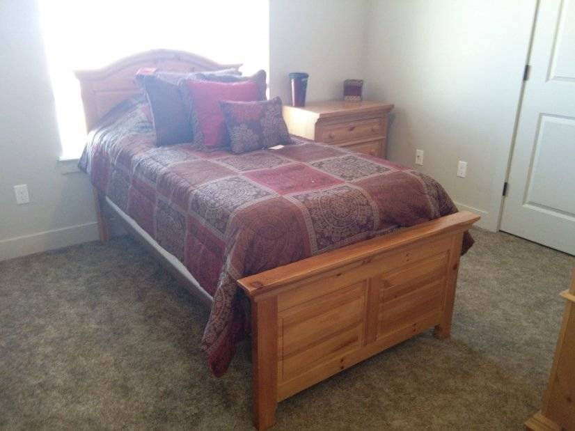 Twin room  Optional trundle bed beneath with regular mattres