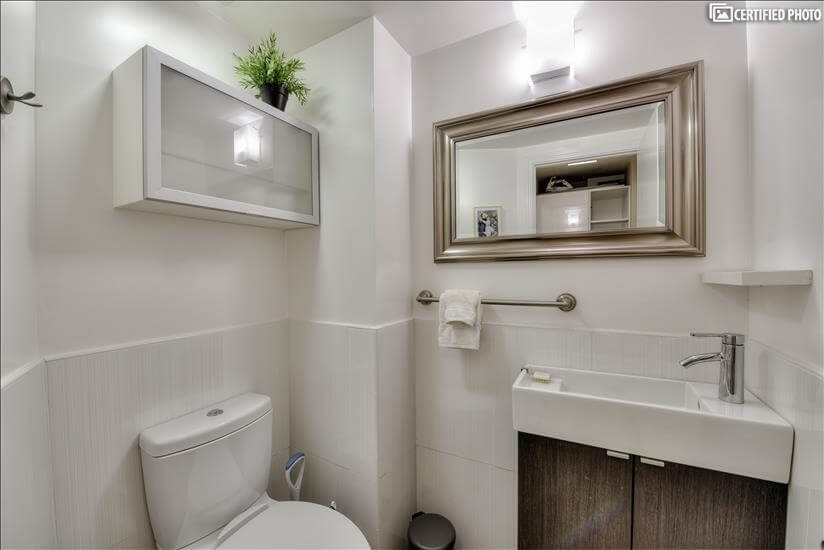 Powder room, half Bath