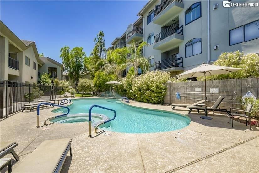Nice pool and Spa