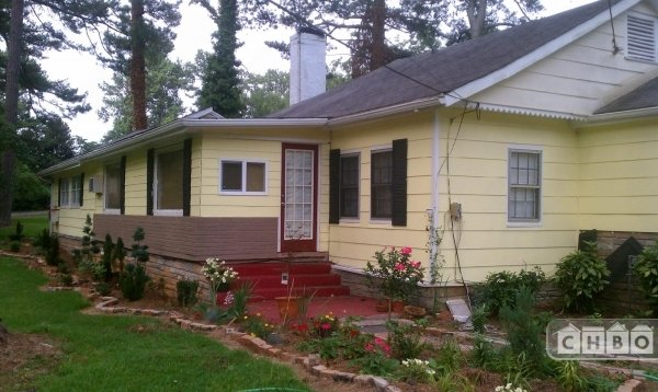 image 2 furnished 4 bedroom House for rent in College Park, Fulton County