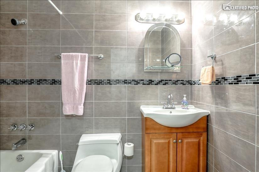 2nd Bathroom with Full Bath/Shower