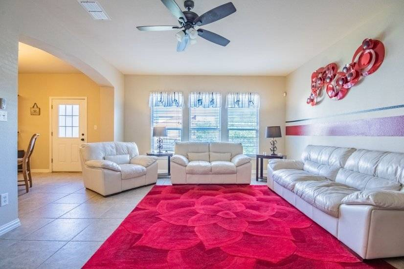 Ample seating area to entertain guests.
