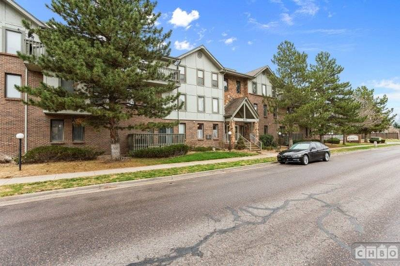 image 7 furnished 2 bedroom Townhouse for rent in Englewood, Arapahoe County