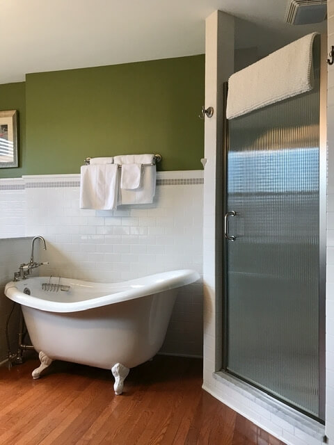 Mater Bath with tons for closet space