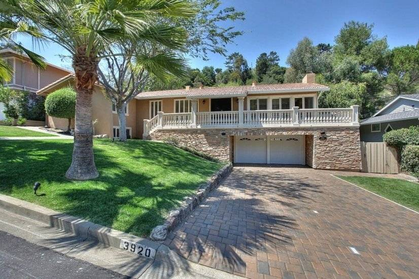 image 18 furnished 5 bedroom House for rent in Redwood City, San Mateo (Peninsula)