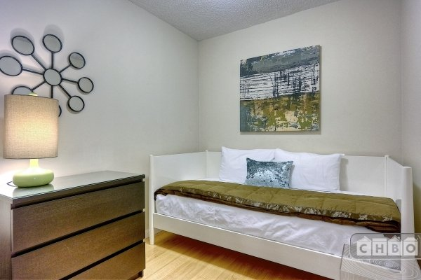 Den with Twin Bed