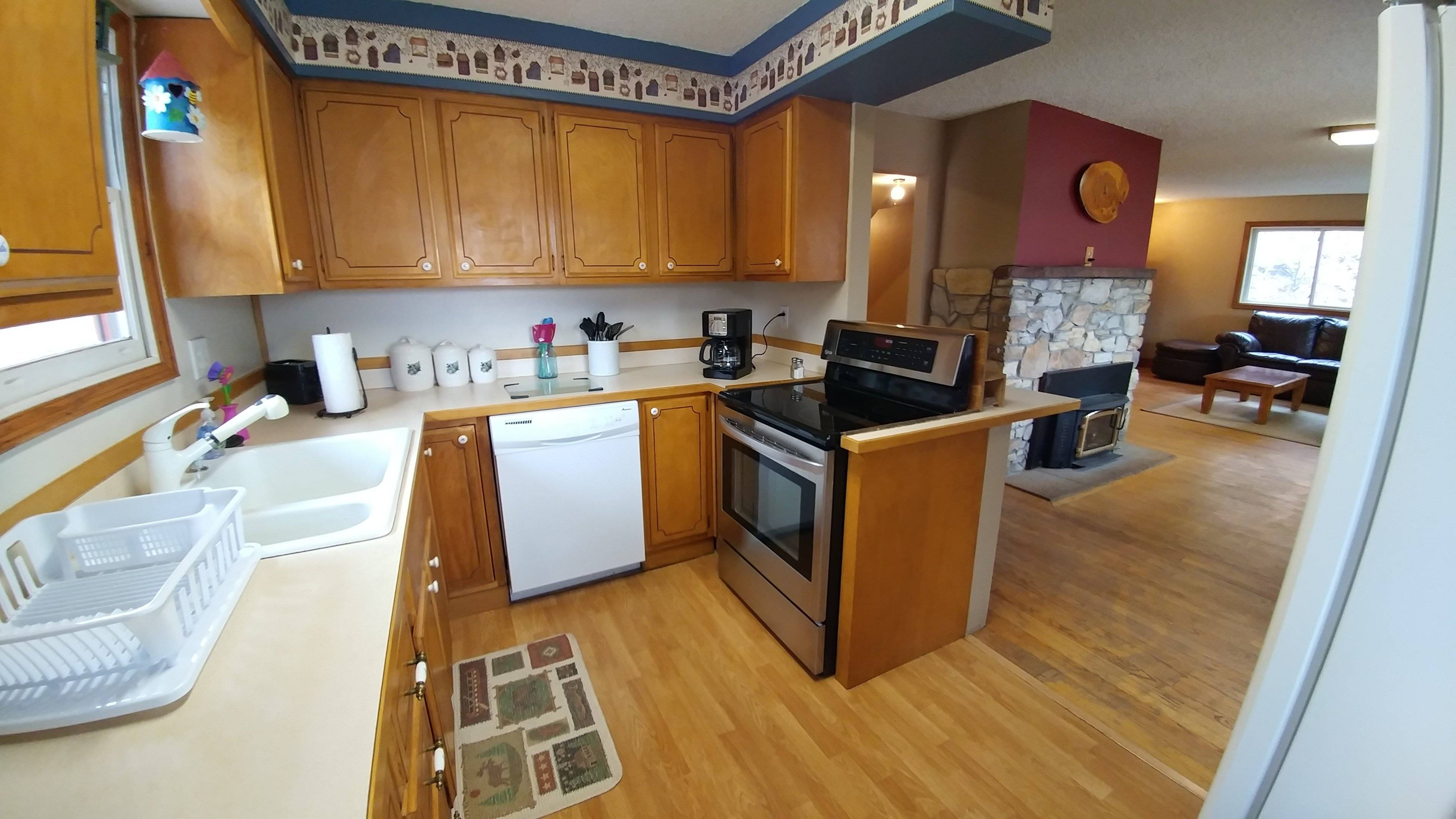 image 5 furnished 6 bedroom House for rent in Manitou Springs, Other El Paso County