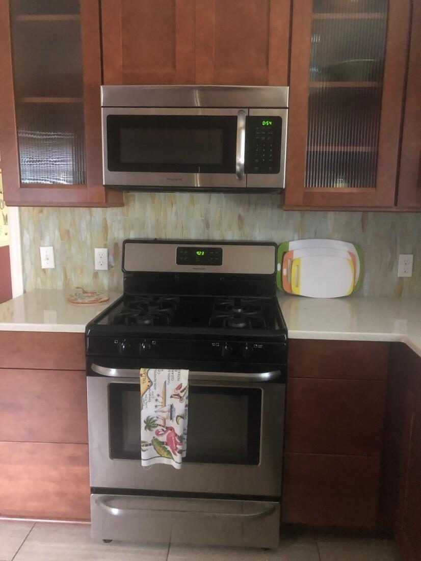 Kitchen (Gas Range)