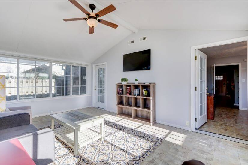 Sun room with 48 inch smart TV