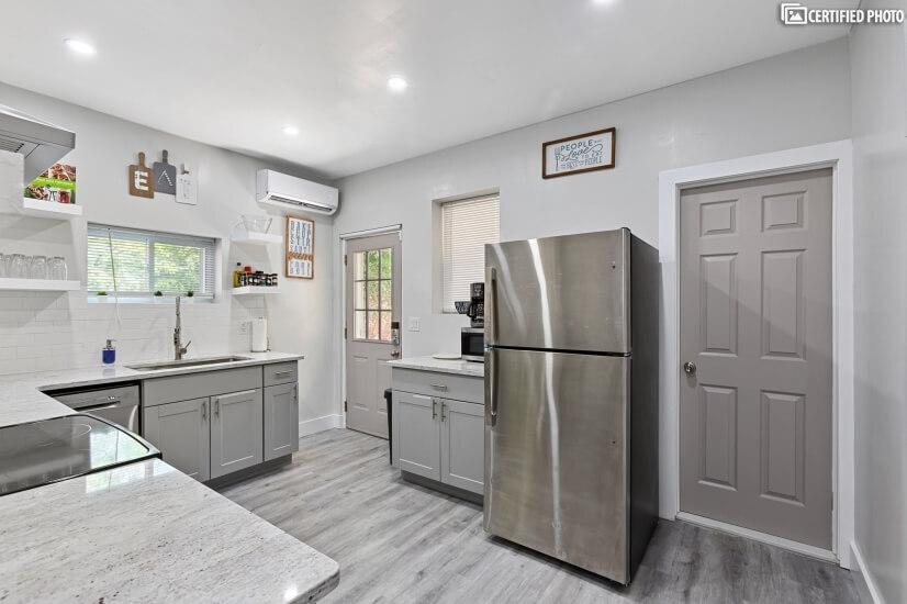 Kitchen W/ Stainless Steel Appliance