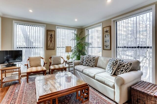 Living Room with Queen Size Sofa Bed Overlook