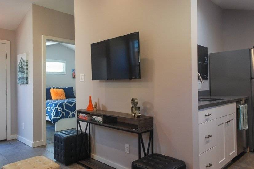 image 2 furnished 1 bedroom Apartment for rent in San Leandro, Alameda County