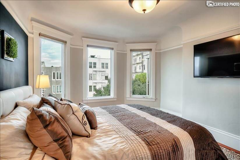 Large windows, light and bright throughout