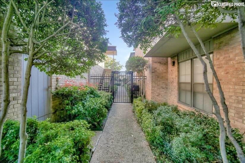 Regal Oak side Entrance.