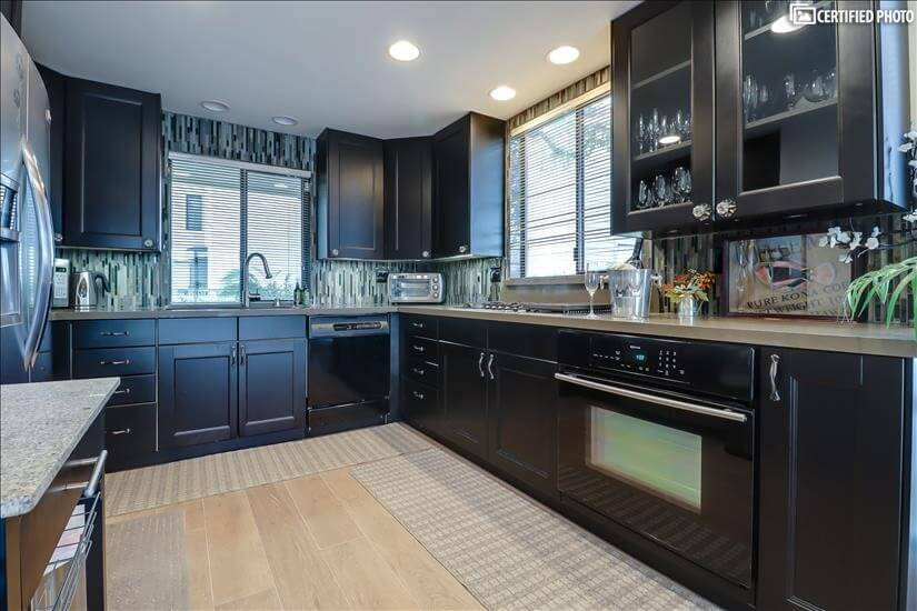 Fully Fitted Kitchen with lake views