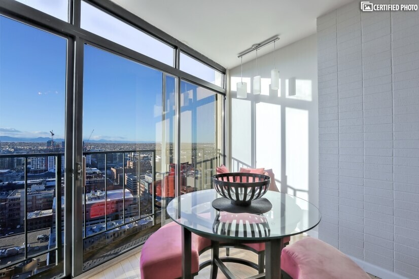 Natural Light and Great View!