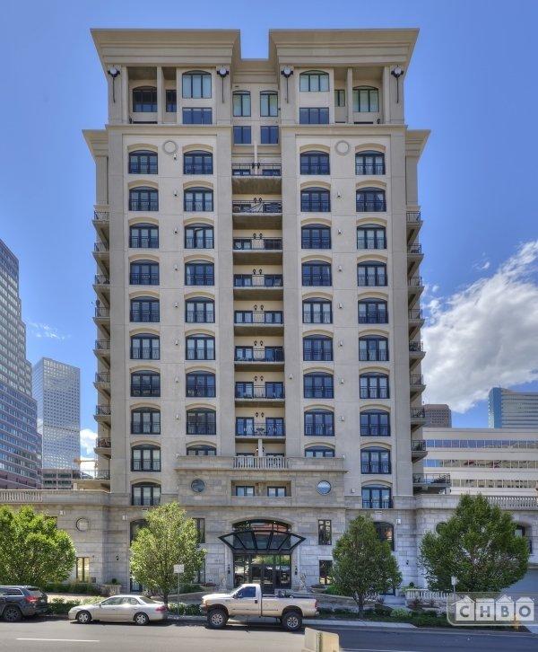 image 2 furnished 1 bedroom Townhouse for rent in Lincoln Park, Denver Central
