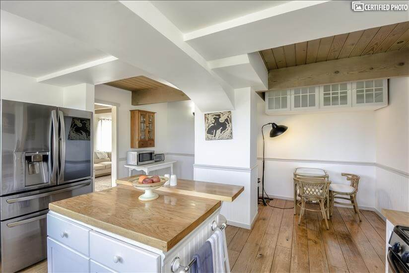 Gourmet Kitchen with sitting area for the kid