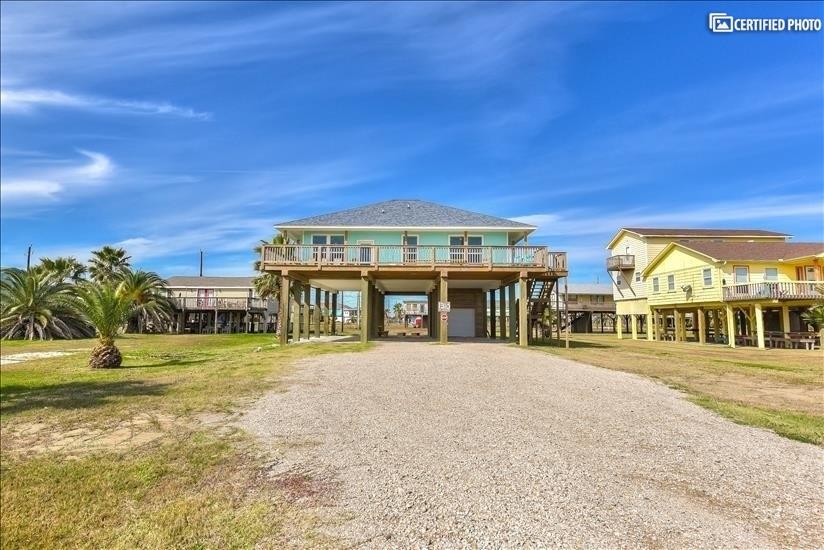 Beach house on 12' high pilings
