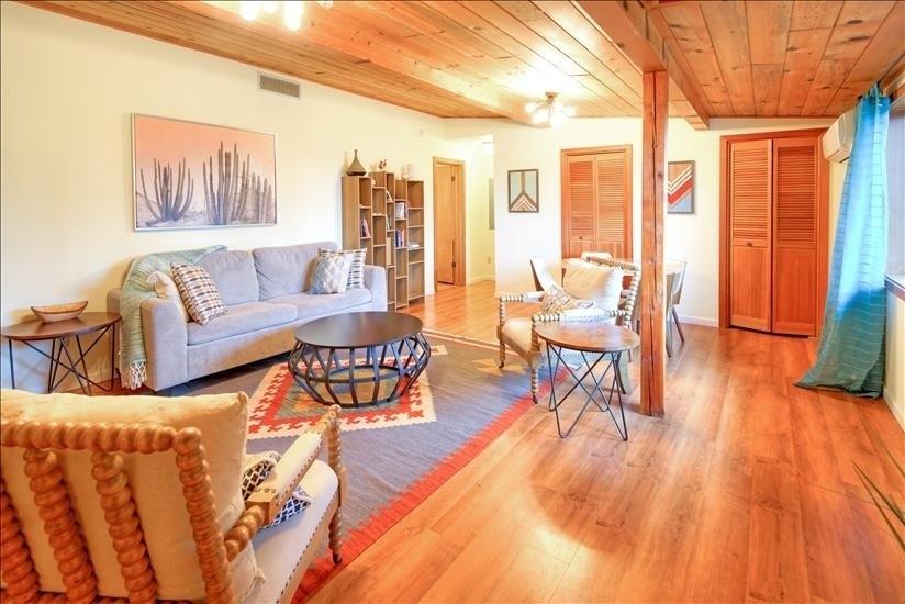 Cozy, modern living room