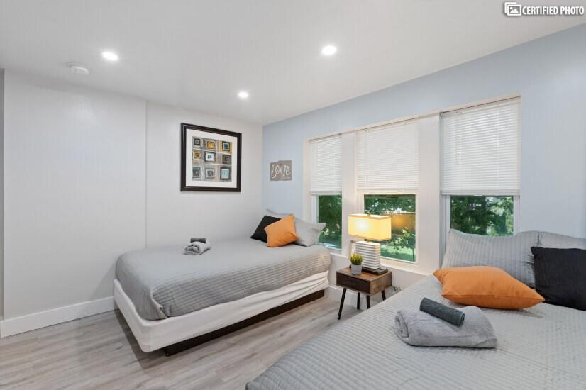Third Bedroom 2 Full XL Beds