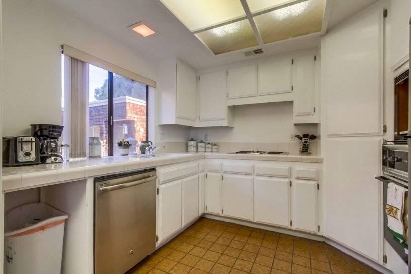 image 8 furnished 2 bedroom Townhouse for rent in Morena, Western San Diego