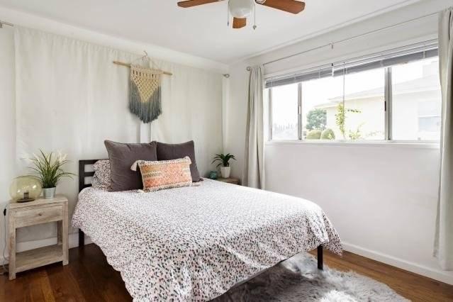 Bedroom with queen size memory foam bed