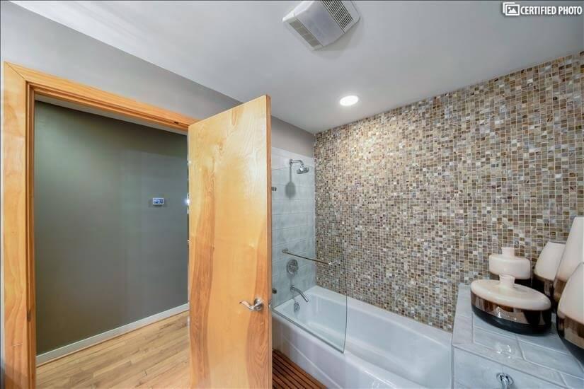 Guest Bath 1C
