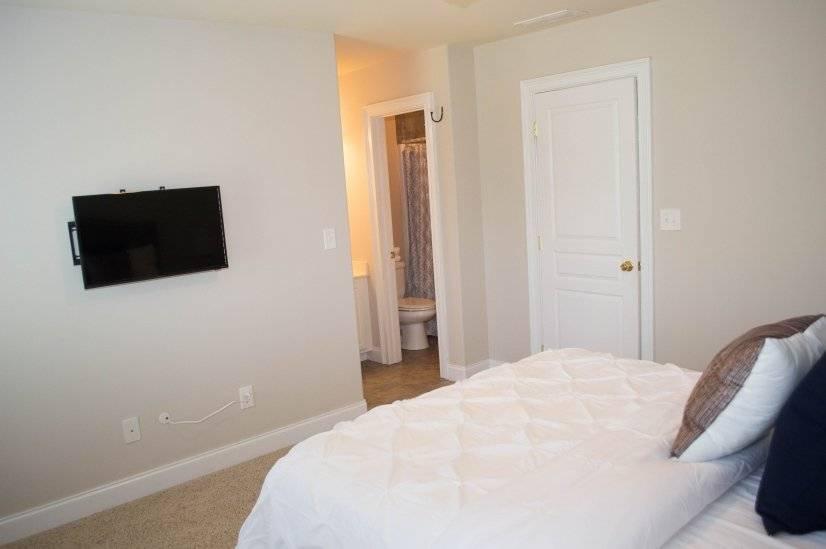 Bedroom off Master w Private Bath