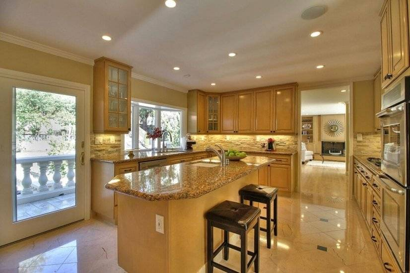 image 9 furnished 5 bedroom House for rent in Redwood City, San Mateo (Peninsula)